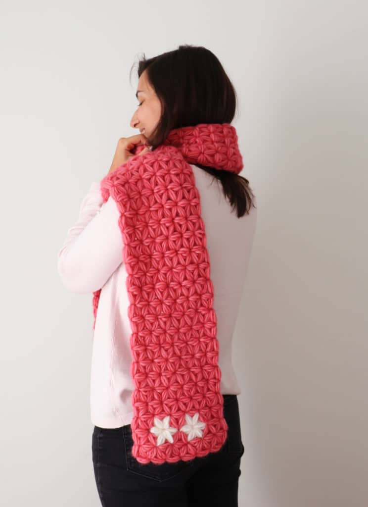The Jasmine Scarf seen from behind.