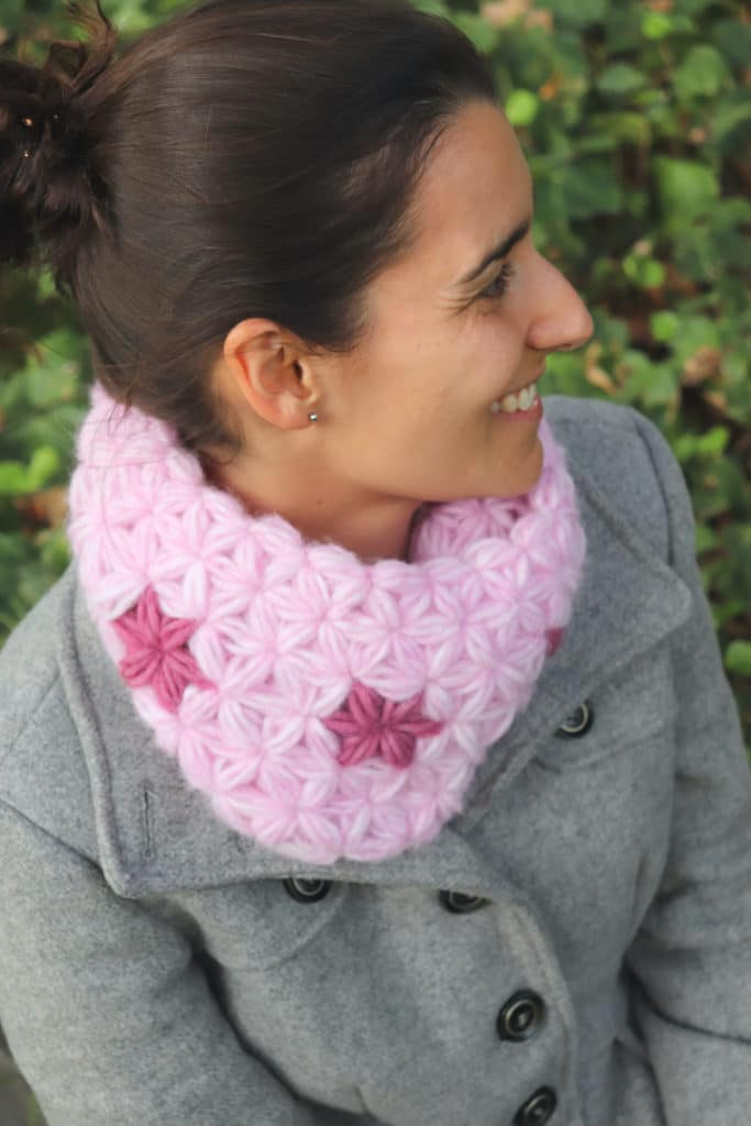 Susana from Fluffy Stitches wearing the crochet Lovely Jasmine Cowl
