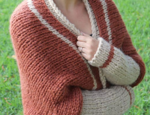 Susana from Fluffy Stitches wearing the Knit Barcelona Shrug