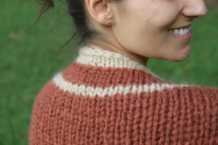Detail of the back and collar of the Knit Barcelona Shrug