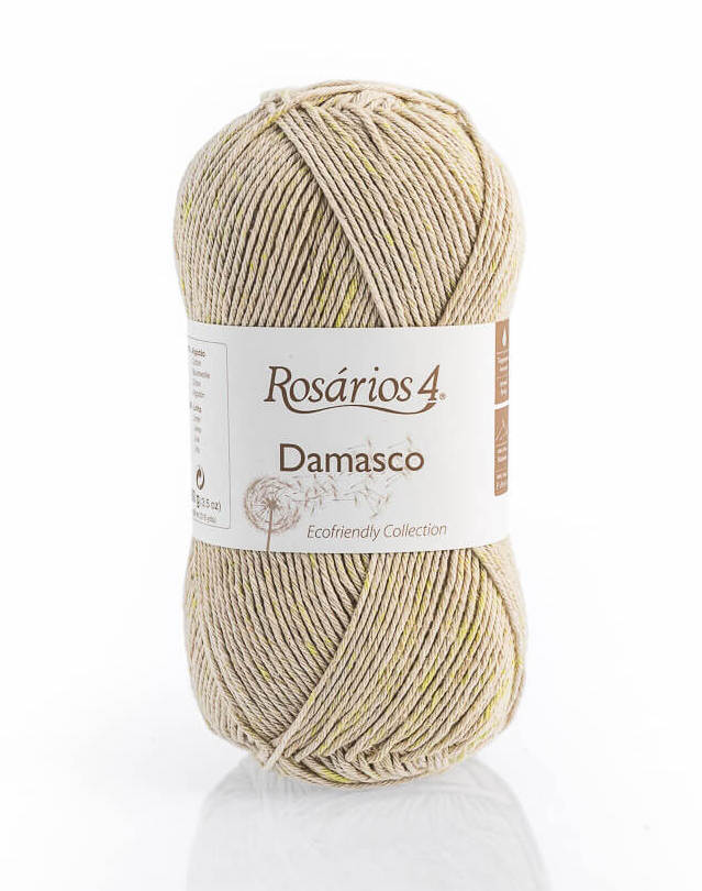 A skein of Damasco yarn from Rosarios 4 Eco-Friendly collection